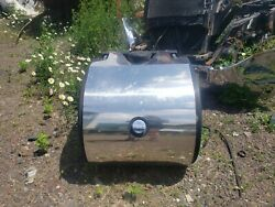 Def Tank And Def Pump. Paccar / Fits Kw And Pete - Includes Straps And Brackets /med
