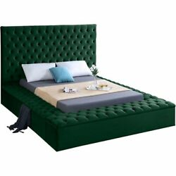 Meridian Furniture Bliss Solid Wood Tufted Velvet Queen Bed In Green