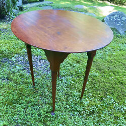 Vintage Eldred Wheeler Oval Top Cherry Queen Anne Style Tea Table 32 X 25.5 X 27