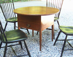 Antique Early American Country Pine Tavern Lamp End Side Table Round Top C1820.