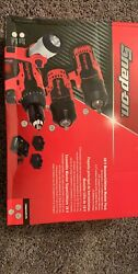 Snap On Kit With 1/2 + 3/8 Impact Light And Drill