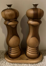 Le Creuset Teak Wood Salt And Pepper Mill Grinders With Tray - Free Shipping