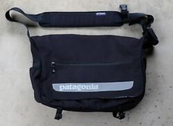 Patagonia Critical Mass Messenger Laptop Bag Black Great Condition $55.00