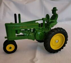 Vintage John Deere Model G 557 - 8614 Toy / Collectible Farm Tractor W/ Driver