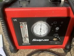 Snap-on Smart Smoke Leak Detection System With Ultra Trace Uv Smoke Solution