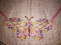 Antique Embroidery Grandma Linens Table Runner Cloth Matching Doilies Lamp Lot 3