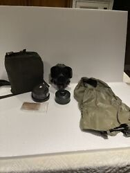 Vintage Us Military Chemical Gas Mask Small M40 / M42 Seriesandnbsp W/extras