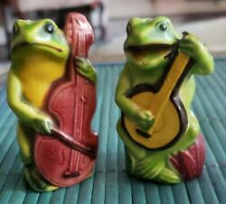 Rare Vintage Frog Salt And Pepper Shakers Playing Banjo And Bass