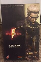 Hot Toys Resident Evil 5 Albert Wesker Midnight Version 1/6 Collectible Figure