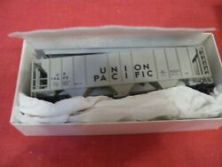 Robins Rails Ps-2 Covered Hopper Up 018-6804 19605 Actual Shipping
