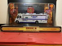 Greenlight 164 Custom Nypd Mobile Command Truck