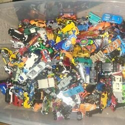Unsearched Lot Of Over 2.5lbs Vehicles All Hot Wheels And Matchbox 164