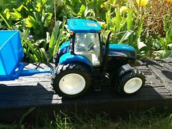 Britains Ertl New Holland Tractor And Trailer - With Noises And Flashing Lights