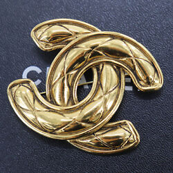 Cc Logos Used Brooch Gold 1152 Vintage France Authentic Yy302 S