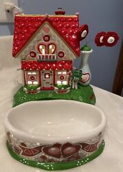 """2004 Dept 56 Mandm's """"be Mine Valentine's House""""lighted House And Candy Dish Retired"""