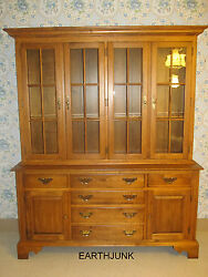 Ethan Allen Circa 1776 Maple China Cabinet With Antiqued Glass 18 6828