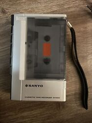 Vintage Sanyo Mini Cassette Tape Voice Recorder M1002 Working 100 Tested