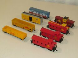 Lot Of 8 Ho Scale Bachmann Freight Cars And Cabooses Santa Fe Union Pacific Maine