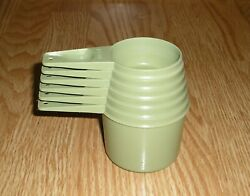 Vintage Tupperware 6 Avocado Measuring Cups And 7 Apple Lime Green Spoons Set