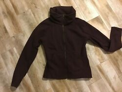 Womens Lululemon Plum Jacket With Zip Out Hood Size 10