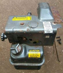 Briggs And Stratton Gas Tank And Carb Assembly 5hp Horizontal Engine Model 130202