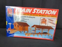 Life Like Trains Train Station Ho Scale Scenery Kit 1347 Booth Cart New Sealed