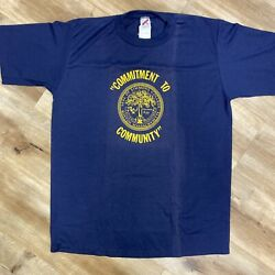 SIMMONS COLLEGE BOSTON VINTAGE 90s COMMITMENT TO COMMUNITY TSHIRT ADULT XL