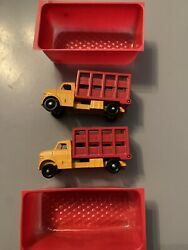 2 X Rare Lone Star Tuf Tots Cattle Truck Lorry In Pick A Pack Tray 1/118 1960s.