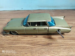 Rare Vintage Wind-up Cadillac Tin Toy Car Of 50's Made In Japan Working Order.