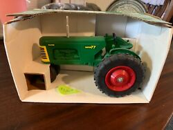 Oliver Super 77 Toy Tractor Collectors Edition
