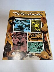 1975 Pittsburgh Pirates Yearbook - Willie Stargell Dave Parker With Calendar Ex