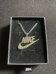 Nike Swoosh Pendant/chain/necklace Silver - Stainless Steel