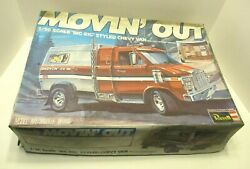 Vintage Revell Detailed Movinand039 Out Big Rig Chevy Van 1/16 Scale Model Kit Comple