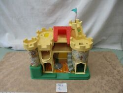 Fisher Price Little People 993 Castle Dragon Play Family Queen Knight R Queen