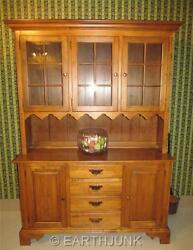 Ethan Allen Circa 1776 China Cabinet With Antiqued Seeded Glass 18 6818