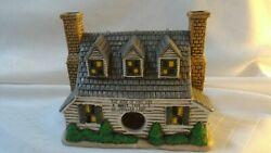 Lefton Colonial Christmas Village King's Cottage 05890 Holiday  1986 C2