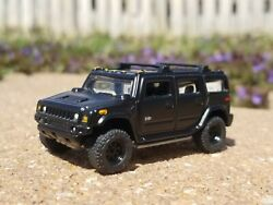 2004 04 Hummer H2 Collectible With Hitch 1/64 Scale Diecast Diorama Rubber Tires