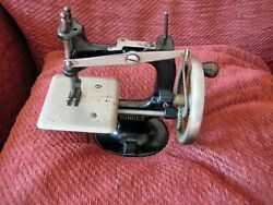 Extreamly Rare 1910 To 1914 First Model Singer 20 Toy Sewing Machine 4 Spoke
