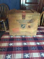 Federal Du '82 Wooden Shell Box W/ 2 Plastic Ducks Unlimited Ammo Boxes Inside