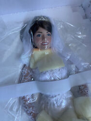 """The Danbury Mint Collectibles 2011 """"the Princess Kate Bride Doll"""" New Numbered"""