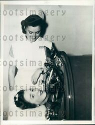 1941 Erie Pa Nurse With Corry Pa Woman In Iron Lung 15 Months Press Photo