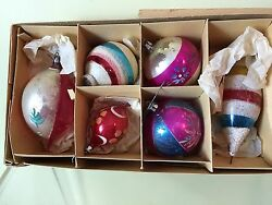 Vtg Box Of 6 Christmas Ornaments Handpainted Glass 3 Round 3 Oval