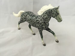 Breyer Horse Holiday Special Run ** Ivy ** Only 350 of each color
