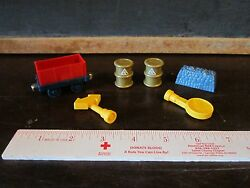 Thomas Train And Friends Replacement Yellow Sign Freight Coal Barrel Cargo Lot