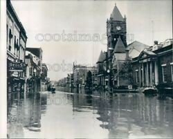 1952 Press Photo Ohio River Flooded Street New Martinsville West Virginia 1950s