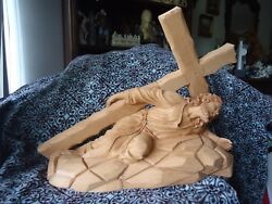 Hand Carved Cedar Wood Jesus Christ Carrying The Cross 3nd Station Religious