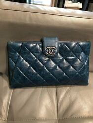 Chanel Blue Lambskin Leather Quilted Large Clutch Crossbody Detachable Chain EUC