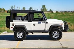 1971 Land Rover Defender  Defender 90 Automatic just serviced!  very cool !!
