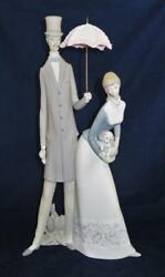 Nao By Lladro Spain 4563 Rare Lovers Couple W/ Puppy And Parasol Umbrella, 19 1/4