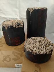 Oriental style column candle holder